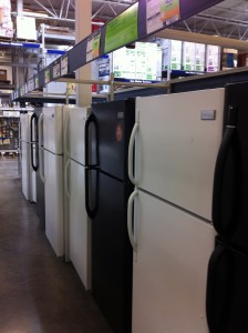 When looking for a new refrigerator, summer time is always a great time as many manufactures offer energy discounts
